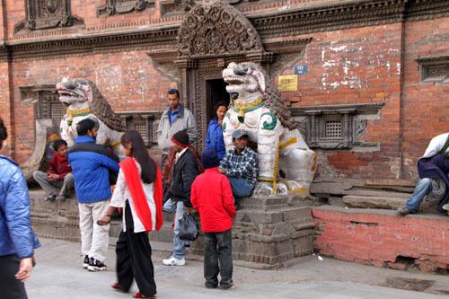 ネパールを歩く 12 カトマンドウ ダルバール広場_e0048413_23364777.jpg