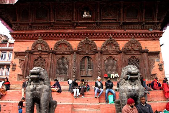 ネパールを歩く 12 カトマンドウ ダルバール広場_e0048413_2337135.jpg