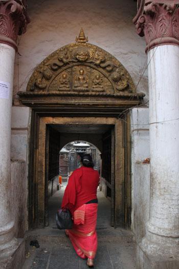 ネパールを歩く 15セト・マチェンドラナード寺院_e0048413_2058433.jpg