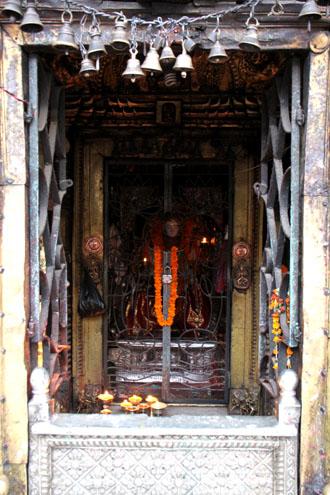ネパールを歩く 15セト・マチェンドラナード寺院_e0048413_2101497.jpg