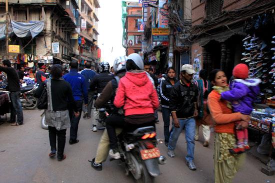 ネパールを歩く カトマンドウ アサン・チョーク_e0048413_21222248.jpg