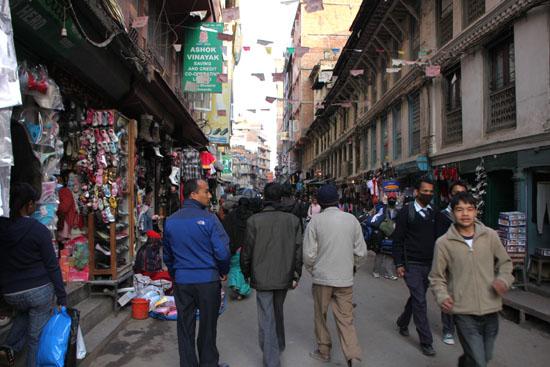 ネパールを歩く カトマンドウ アサン・チョーク_e0048413_21223593.jpg