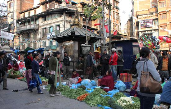 ネパールを歩く カトマンドウ アサン・チョーク_e0048413_21224680.jpg