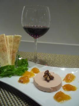 今夜の晩餐はフォアグラにカロンセギュールで乾杯!_a0138976_19482019.jpg