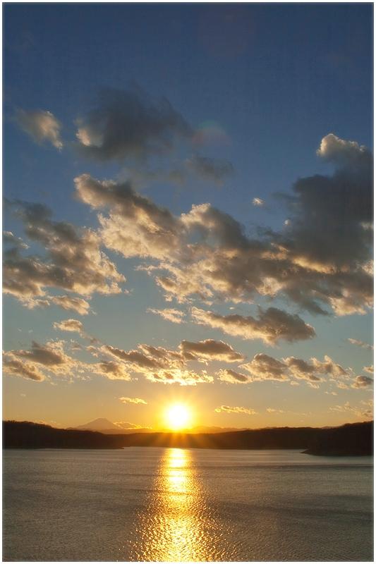 多摩湖の夕べ_e0031502_1025013.jpg