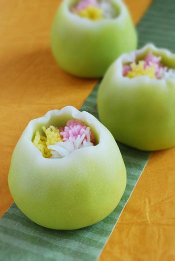 茶席上生菓子『春咲き花』_c0050395_1427343.jpg