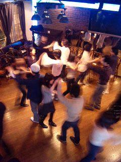 踊り明かす_a0103940_5152612.jpg