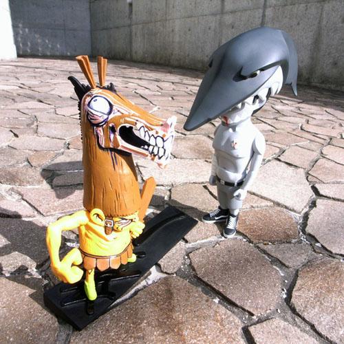サメのまえにウマがいた。_a0077842_2047825.jpg