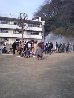 午後は焼き芋大会_f0045052_15203449.jpg