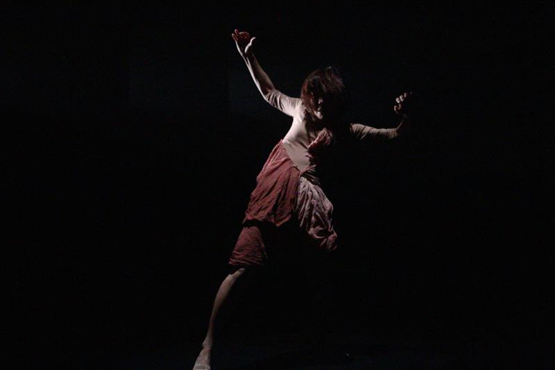 荒枝志津『シンドウトオン』@横浜ダンスコレクションR2010_c0000587_121934.jpg