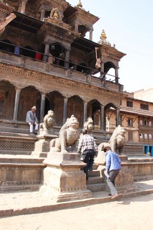 ネパールを歩く 19 パタン_e0048413_20393517.jpg