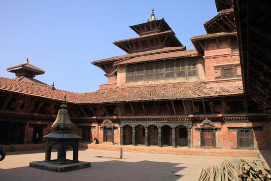ネパールを歩く 20 パタンの旧王宮_e0048413_21255372.jpg