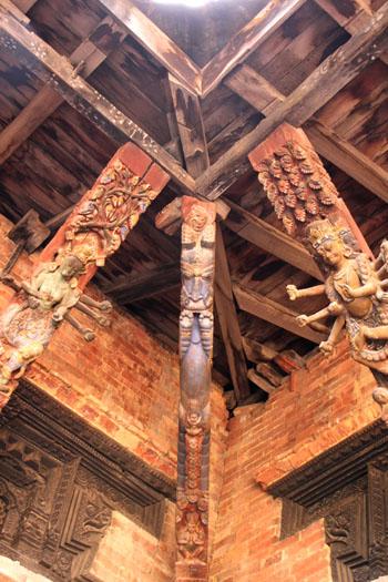 ネパールを歩く 20 パタンの旧王宮_e0048413_21262537.jpg