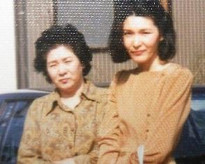 母とよくデパートへ行った30代前半_d0148223_154715100.jpg