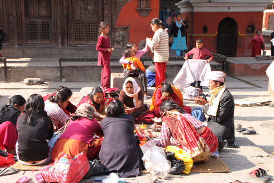 ネパールを歩く 21 パタン クンベシュワール寺院_e0048413_21354157.jpg
