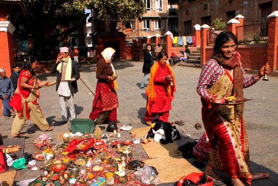 ネパールを歩く 21 パタン クンベシュワール寺院_e0048413_21361489.jpg