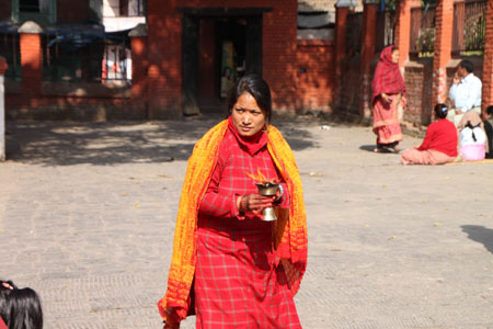 ネパールを歩く 21 パタン クンベシュワール寺院_e0048413_2136307.jpg