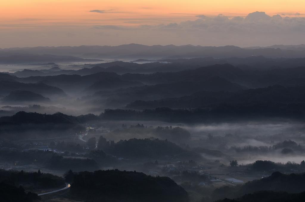 静謐なる夜明け 1_f0018464_657595.jpg