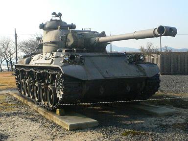 「杉玉」と「戦車」_c0061686_7484663.jpg