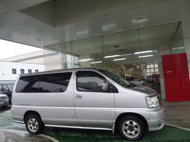 エルグランド ライダー入庫しております!!(新川店)_c0161601_2145762.jpg