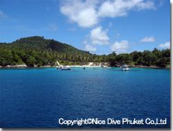 ラチャヤイ島東側_f0211017_14584270.jpg