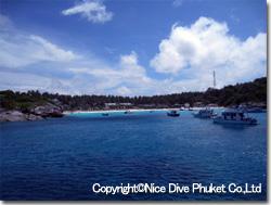 ラチャヤイ島西側_f0211017_1951864.jpg