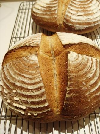 今日はパンの日2_a0163160_2336235.jpg
