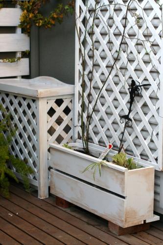 ◆植木箱にバラを植えかえる_e0154682_21413069.jpg