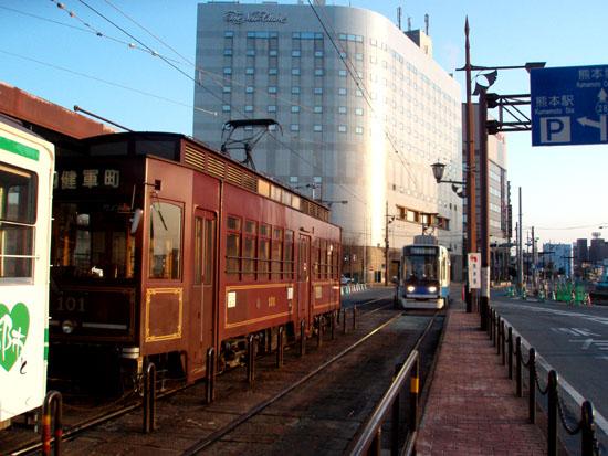熊本駅前_e0048413_19463226.jpg
