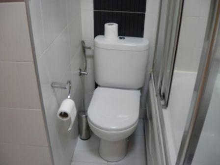 ホテルの部屋のトイレ_b0017215_162788.jpg