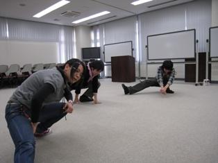 戸中井さんより発声トレーニングパート2を受けました。_c0167632_1327315.jpg