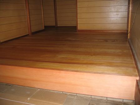 床張り 壁塗り 外回り_a0157159_2275114.jpg