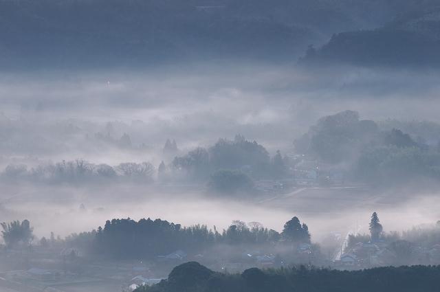 静謐なる夜明け 2_f0018464_18174610.jpg