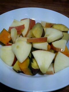 蒸し野菜とりんごのサラダ_d0027486_8574610.jpg