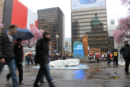 雨の中、オリンピック関連の写真撮影?_d0129786_8412792.jpg