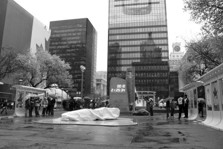 雨の中、オリンピック関連の写真撮影?_d0129786_85164.jpg