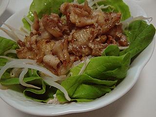 鶏ささみとマッシュルームのトマトソーススパゲティと鳥皮サラダ_c0025217_12452795.jpg