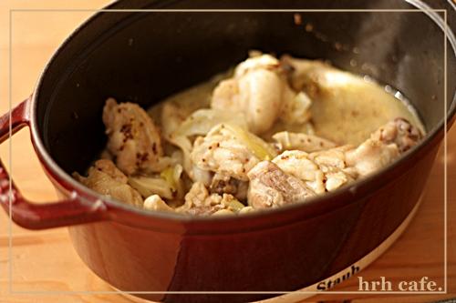 幸せの香り、鶏肉の白ワイン煮。_b0165178_10385722.jpg