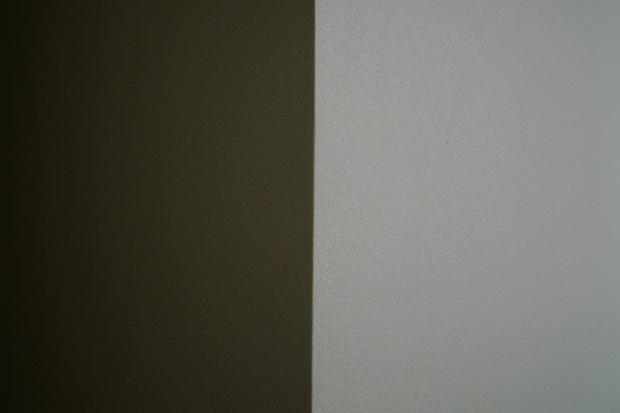 a white wall_e0174281_083438.jpg