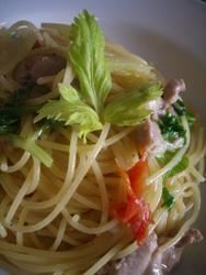 2/26本日のパスタ:鶏肉とセロリのスパゲティ_a0116684_11205469.jpg