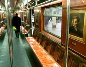 地下鉄車内に入ったら、そこは美術館?_b0007805_22352928.jpg