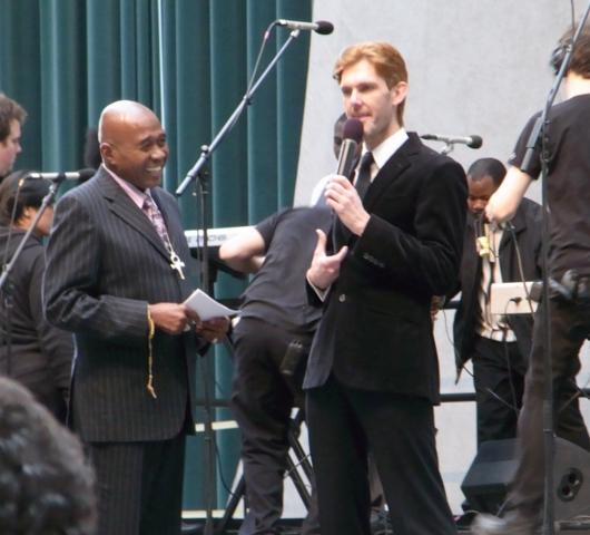 ニューヨークのゴスペル聖歌隊大会 Pathmark Gospel Choir Competitions 2010_b0007805_2382887.jpg