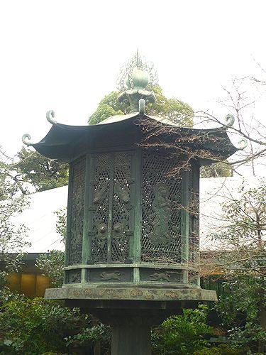 根津美術館。。。カフェ(NEZUCAFÉ) 春の香り 梅に鶯。。*。☆.。†_a0053662_19491594.jpg