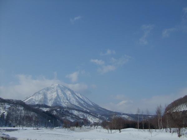 雪の羊蹄山_b0068572_21233113.jpg
