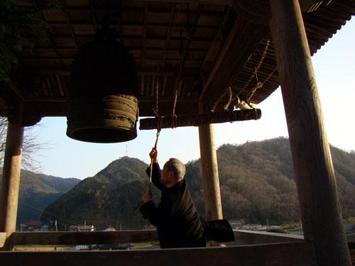 山寺の~~(ポンポンポンッ) おしょさんは~~♪_a0047200_835724.jpg