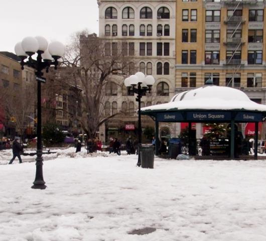 雪景色のユニオン・スクエア_b0007805_23171050.jpg