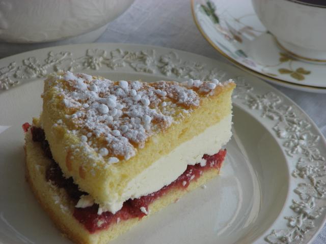 ヴィクトリアンサンドイッチケーキ 〈ふわふわバージョン〉_b0158721_11455038.jpg