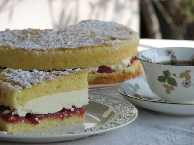 ヴィクトリアンサンドイッチケーキ 〈ふわふわバージョン〉_b0158721_11463951.jpg