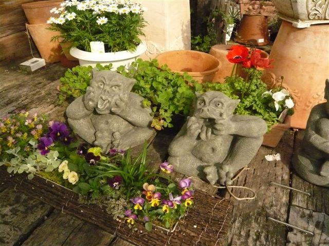 アナーセンのガーデン春の陽気に花もいい感じに咲いています_b0137969_1032277.jpg