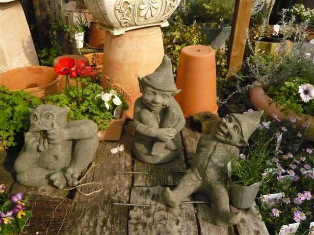 アナーセンのガーデン春の陽気に花もいい感じに咲いています_b0137969_1053226.jpg